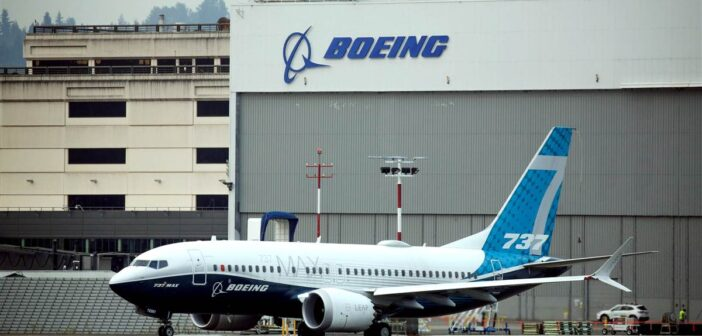 Boeing tests Dreamliner cockpit windows amid expanding search for flaws