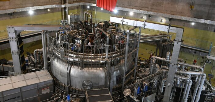 Chinese 'Artificial Sun' Experimental Fusion Reactor sets new world record